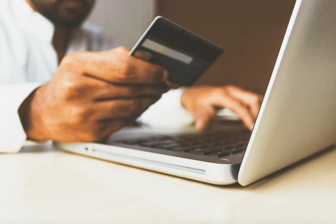 Płacenie kartą podarunkową